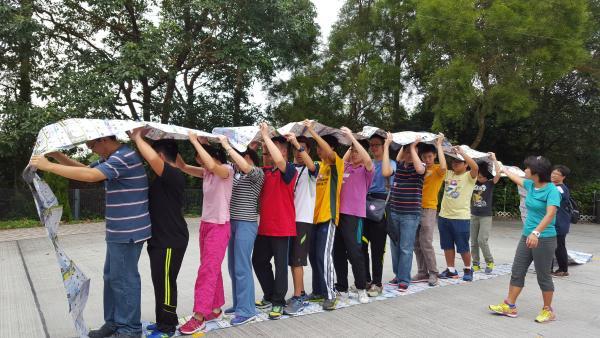 一年一度的歷奇活動訓練了學員的團隊精神,他們亦非常投入。