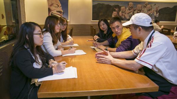 專業團隊 (心理學家、職業治療師及社工) 與學員的直屬上司及公司的人力資源副總監進行會面,了解學員的實際工作情況。